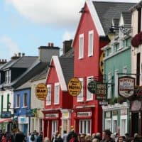 shops and hotels in dingle town